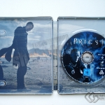 blu-ray_priest_steelbook_inside